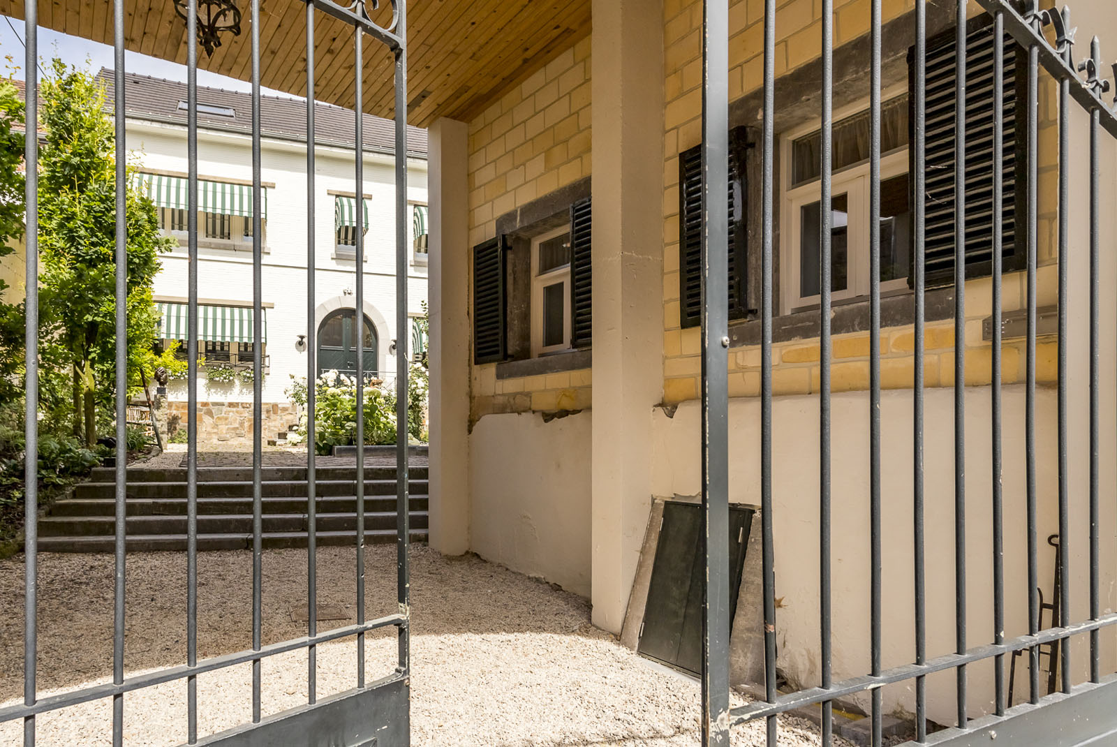 hostellerie marie binnentuin 2